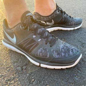 Women's Nike Flex 2014 Run Black and Grey